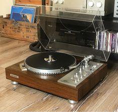 Audio rooms setup - T. Audiophile Turntable, Hifi Stereo, Hifi Audio, Music Corner, Vinyl Record Collection, Recording Studio Design, Audio Room, Record Players, Home Technology