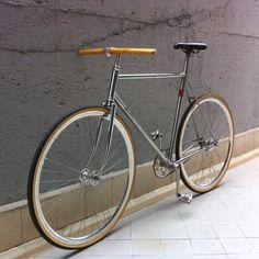 Wood handlebar fixie bike