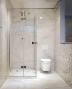 Fürdőszoba Small Attic Bathroom, Small Bathroom With Shower, Bathroom Design Small, Modern Bathroom, Bathroom Toilets, Bathroom Renos, Ensuite Bathrooms, Bathroom Design Inspiration, Bad Inspiration
