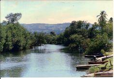 Rio Espiritu Santo, vista al barrio Guzman (al fondo).