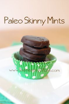 Skinny Mint Cookies by www.TheHealthyGFLife.com. paleo, primal, grain free, gluten free, soy free, dairy free. Will keep you from eating those boxes of Thin Mints!