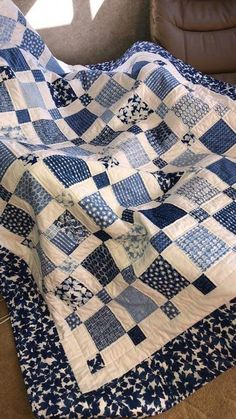 Ideen Patchwork Quilt blau Spaß für 2019 , Best Picture For patchwork quilting ideas For Your Taste You are looking for something, and it is going to tell you Big Block Quilts, Boy Quilts, Scrappy Quilts, Quilt Blocks, Star Quilts, Patch Quilt, Colchas Quilt, Charm Quilt, Charm Square Quilt