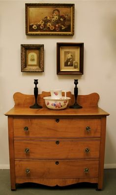 Cherry curly birdseye maple hepplewhite 1790 antique chest for Crystal bureau knobs