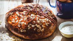 Věděli jste, že velikonoční mazanec nebo také velikonoční bochník, oblíbené sváteční pečivo ze sladkého kynutého těsta, patří mezi nejstarší druhy českého obřad Pancakes, Muffin, Breakfast, Food, Morning Coffee, Essen, Pancake, Muffins, Meals