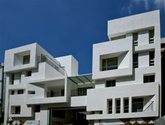 Box Houses, Modern Buildings, Townhouse, Facade, Projects To Try, Multi Story Building, Villa, Architecture, Design