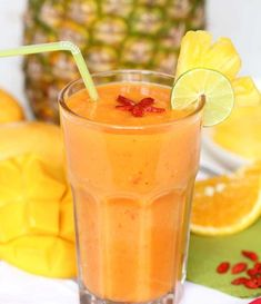 Goji Tropical Smoothie | Here's a refereshing smoothie for beautiful skin and healthy eyes. So delicious and energizing!
