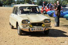 Citroën Ami 8 à Marçon Classic #MoteuràSouvenirs Reportage : http://newsdanciennes.com/2016/08/16/marcon-classic-2016-les-anciennes-ne-font-pas-le-pont/ #Voiture #Ancienne #ClassicCar