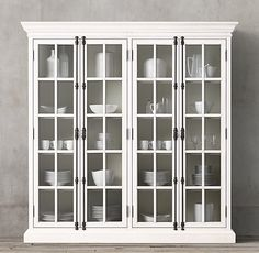 RH's French Casement Cabinet:Panel doors and fine crown molding give our solid wood collection the gravitas of classic French furniture. Interior Flat, French Interior, Interior Barn Doors, Interior Design, Interior Office, Scandinavian Interior, Modern Interior, Furniture Vanity, French Furniture