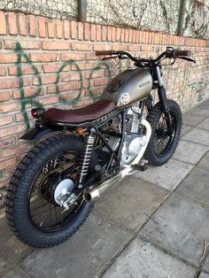 68 Ideas For Scrambler Motorcycle Ideas Custom Bikes Suzuki Motos, Honda Scrambler, Cafe Racer Motorcycle, Motorcycle Style, Suzuki Cafe Racer, Cafe Racer Bikes, Custom Cafe Racer, Cafe Racer Build, Custom Sport Bikes