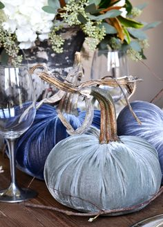 Welcome! If you are new to Decor Gold Designs, I am so happy you are here. Today, I will be sharing a Thanksgiving table for the Styled + Set Holiday Entertaining Blog Tour hosted by Lory from Designthusiasm. I absolutely adore a professionally decorated table. It is a blank canvas at its base and a fully …