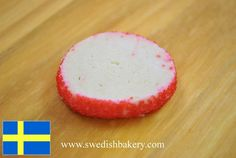 Brusselkaka:  Shortdough butter cookie with colored sugar rim.  Swedish specialty of the Swedish Bakery in the Andersonville neighborhood of Chicago