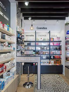 Diseño , proyectos y reformas de farmacias en Galicia, A Coruña, Pontevedra, Lugo, Orense.