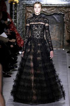 Julia : robe Valentino, défilé printemps été 2013