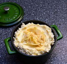 Pečený tvaroh LC s kokosem a borůvkami « LadyLowCarb.cz Peanut Butter, Pie, Keto, Food, Torte, Cake, Fruit Cakes, Essen, Pies