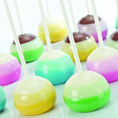 medium and dark shades of the same color. Lighten Candy Melt colors by adding melted White Candy Melts.