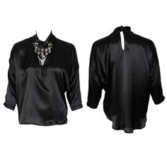 #whoswho #greenbird #marinamall #abudhabi #abudhabifashion #abudhabistyle #dubai #dubaifashion #dubaistyle #fashionista #womenswear #eveningwear #casualwear #fall2013 #winter2014 #blouse #silk #neckornament #collared #blacksilk #black
