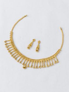 Necklace 11.600 gm 40650/- Earring 2.900 gm 10170/- Simple Necklace, Simple Jewelry, Cute Jewelry, Gold Jewelry, Jewelery, Gold Earrings Designs, Gold Jewellery Design, Necklace Designs, Gold Necklaces