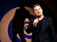 REVIEW | Eddie Izzard's 'Believe Me' is thoughtful, funny, and heartbreaking