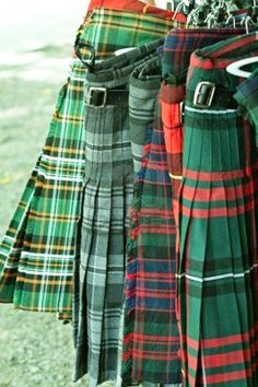 tartan kilts - the tartan in the back is the Innis ancient Tartan. not to be confused with clan MacInnis. love the green blends of all these tartan kilts displayed together. Scottish Kilts, Scottish Plaid, Scottish Tartans, Harris Tweed, National Tartan Day, Band T Shirts, Kilts For Sale, Style Anglais, Tartan Kilt