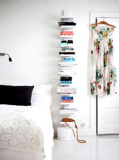 arredare una casa con i libri - corridoio con libri | libri - Arredare Casa Libri