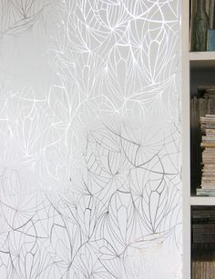 Erica Wakerly Wallpapers | Tangletree Interiors - Leaf - Silver/ White