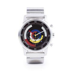 """ソニーが生み出した未来の腕時計 wenaと、MONOCOがコラボレーションしたモデル『MONOCO × wena』が初登場。9月下旬の発売に先立ち、100本限定で先行予約注文がスタート。  美しいアナログ時計に未来のテクノロジーが隠されたwena。いいデザインとは、無駄な要素が削られ、本質的な価値が大切にされているからこそ、長く愛用できるもの。wenaとMONOCOの共通の価値観である『Less is more』というコンセプトのもと、他にはない美しいアナログ時計を追求しました。    """"引き算""""の美学をいつも腕元に    美しいアナログ時計の佇まい。開発当初から「テクノロジーを隠す」というソニーのこだわりを、『Less is more(少ないほど、豊かである)』というコンセプトのもと表現しました。…"""