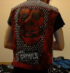 studded red punk vest 2 by babylon-falls on DeviantArt Anti Fashion, Punk Fashion, Diy Fashion, Punk Jackets, Cool Jackets, Hybrid Moments, Danzig Misfits, Patch Pants, Punk Tattoo