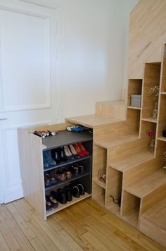 60 tiny House Storage Hacks And Ideas 11 - Furniture Inspiration Tiny House Stairs, Tiny House Living, Tiny House Plans, Tiny House On Wheels, Loft Stairs, Living Room, Tiny Spaces, Small Apartments, Open Spaces