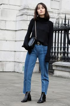 Vetements lookalike jeans, Gucci belt and Patent Leather Boots. Now on anaisanais.de