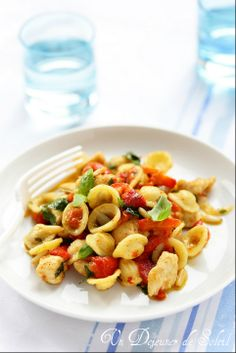 Salade de pâtes poulet et poivrons marinés - Pepper and chicken pasta salad ©Edda Onorato