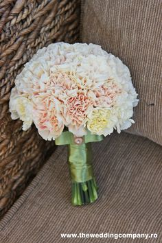 White, champagne, peach, yellow carnation bouquet. What if bridesmaids carried ones that were each a different shade -- ombre when standing in a line?