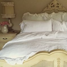 Little Farmstead: Rustic Linen Ruffled Bedding
