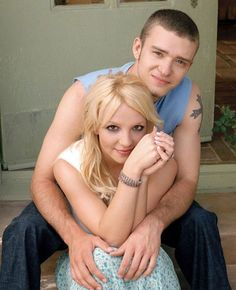 Justin Timberlake (6) and Britney Spears (7) notice Justn friendly doubting eyes, the curved eye brows and Britney's more self confident bright eyed quality. Celebrity Couples, Celebrity Gossip, Celebrity Photos, Britney Spears Boyfriend, Britney Spears Justin Timberlake, Britney Jean, Famous Couples, Old Love, Famous Celebrities