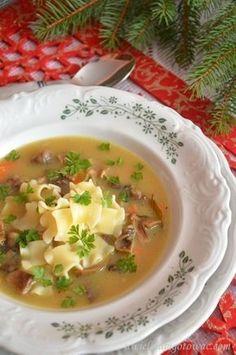 Wigilijna zupa grzybowa z suszonych grzybów Polish Recipes, Polish Food, Good Food, Food And Drink, Menu, Diet, Cooking, Ethnic Recipes, Christmas Eve