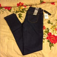 ✨🌟SOLD🌟✨Joe's skinny jean (brand new) Joe's skinny (the Chelsea ultra slim fit) (willing to bargain if the price is right) Joe's Jeans Jeans