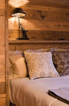 Home rustic design log cabins 59 ideas Interior, Home, House Interior, Bedroom Inspirations, Cottage Interiors, Interior Design, Rustic Bedroom, Cabin Bedroom, Rustic House