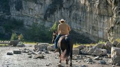 What is happening here. It doesn't look good. This Sunday: Season 10 Mid-Season Finale - Heartland