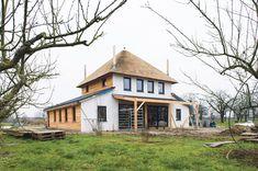 Op naar het huis van de toekomst Tekst: Moniek Verstegen   Beeld: Ramon Mosterd Steeds vaker bouwen we duurzaam. Een ecowijk hier en een energieleverend gebouw daar. Maar een huis dat zelfvoorzienend is en bijna helemaal cradle-to-cradle komt nog niet veel ...