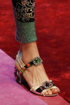 Dolce & Gabbana Spring/Summer 2018 Ready To Wear - Schuhe Dolce & Gabbana, Sock Shoes, Shoe Boots, Vogue, All About Shoes, Beautiful Shoes, Designer Shoes, Me Too Shoes, Fashion Shoes