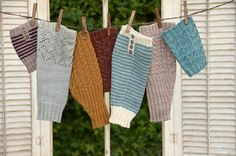 Looking for your next project? You're going to love Yankee Boot Liner Collection by designer Pam Powers Knits. Easy Knitting, Knitting Patterns, Knitting Ideas, Knitting Needles, Ascot Style, Boot Toppers, Dk Weight Yarn, Cascade Yarn, Yarn Ball