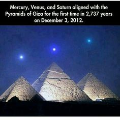 Funny pictures about Planet Alignment Over Egyptian Pyramids. Oh, and cool pics about Planet Alignment Over Egyptian Pyramids. Also, Planet Alignment Over Egyptian Pyramids photos. Pyramids Of Giza, Giza Egypt, Wtf Fun Facts, Random Facts, To Infinity And Beyond, The More You Know, Science And Nature, Science Daily, Science Facts