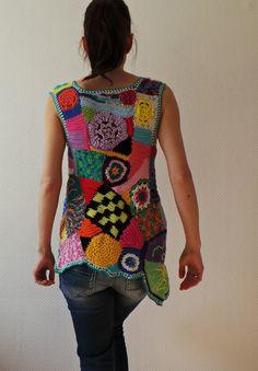 Forma libre de túnica - ganchillo crochet arte de patchwork multicolor chaleco superior - listo para enviar - tamaño S-M o hecho por encargo