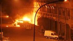 29 personas murieron en ataque a un hotel de Burkina Faso Incendio en el hotel de Burkina Faso Según los testigos, antes de comenzar el ataque al hotel, uno o dos coches bomba estallaron.