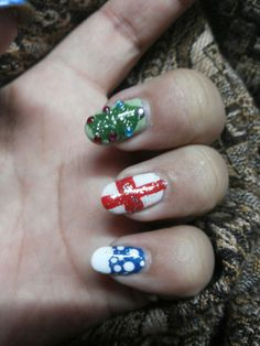 Christmas collab nail art design... #kannucreative #beyonceesha  #nailart #christmas #love