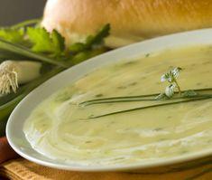 Vegan Potato Leek Soup from the Yummy Vegetarian vegan, plantbased, earth balance, made just right Vegan Potato Leek Soup, Zucchini Soup, Asparagus Soup, Vegan Recipes Easy, Soup Recipes, Vitamix Recipes, Sopas Light, Rutabaga, Avocado Soup