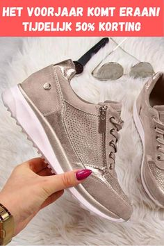 Womens Wedge Sneakers, Moda Sneakers, Sneakers Mode, Leather Sneakers, Sneakers Fashion, Fashion Shoes, Ladies Sneakers, Leather Fashion, Ladies Shoes