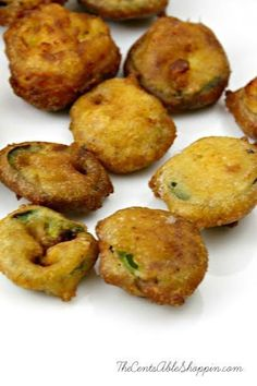These deep fried jalapeño slices are surprisingly easy, yet sinfully addictive! Serve them up at your next party alongside melted cheese sauce. Easy Appetizer Recipes, Snack Recipes, Appetizers, Savory Snacks, Fried Jalapenos, Gourmet Recipes, Cooking Recipes, Jalapeno Recipes, Orange Recipes