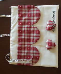 Discover thousands of images about Tutorial copriforno - Benvenuti su fulviahandmade! Fabric Crafts, Sewing Crafts, Sewing Projects, Decor Crafts, Diy And Crafts, Arts And Crafts, Cortinas Country, Etsy Fabric, Drapes Curtains