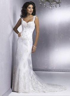 Mermaid wedding dresses can have a different type of collar and sleeves, it can be exposed to where you want exposed or if you want to cover up and cover up where, because the design for this style is very temptation, so the high collar and long sleeves will still be able to create the appearance of temptation, and they will not look particularly sexy. If you want to expose your skin, you can choose a no shoulder straps and collar, or choose a v-neck wedding dress to reveal your beautiful…
