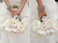 ramos de novia con hortensias y rosas - Buscar con Google                                                                                                                                                     Más